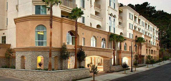 Peninsula Del Rey building front exterior