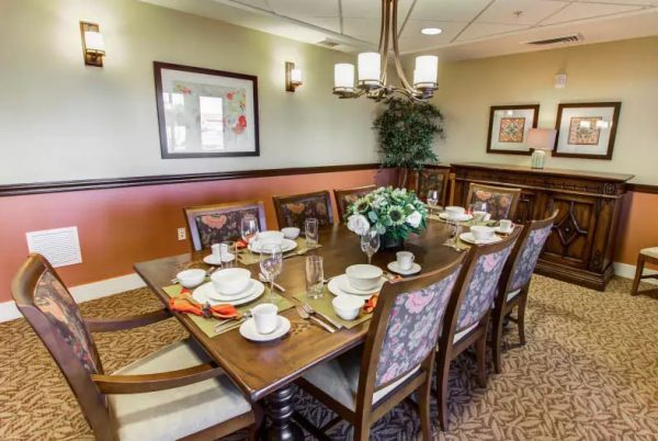 Private dining room in The Groves, A Merrill Gardens Community