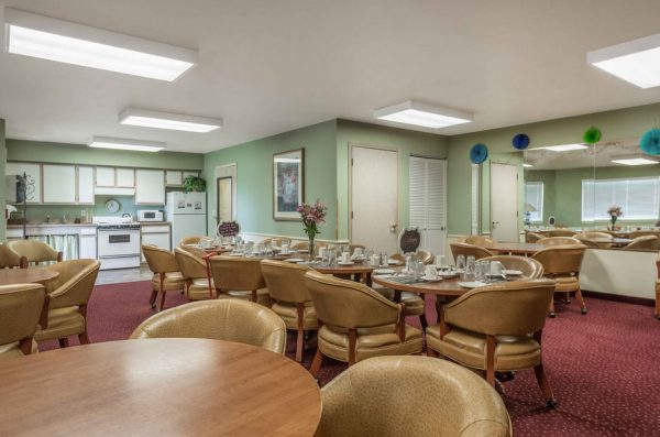 The Gardens at Arkanshire resident activity room