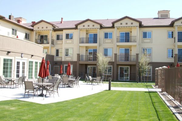 Mountain Park Senior Living courtyard and outdoor seating area