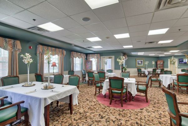 Autumn Cove resident dining room