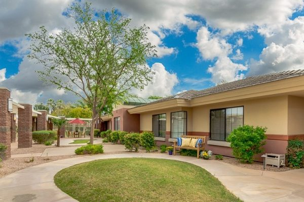 Hawthorn Court at Ahwatukee building exterior
