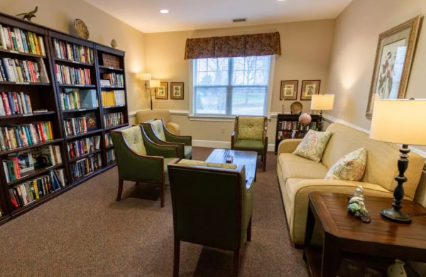 Library and common area in Arbor Ridge at Stanleyville