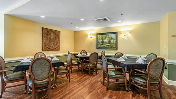 Morningside of Vestavia Hills community dining room