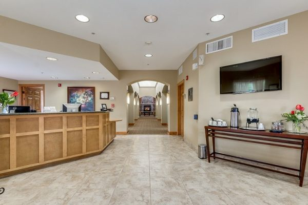 Reception desk and lobby at Hawthorn Court at Ahwatukee