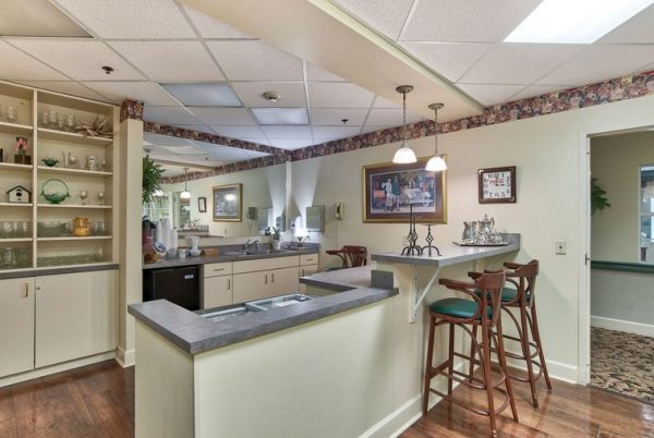 Interior spaces at Autumn Cove with a bar top