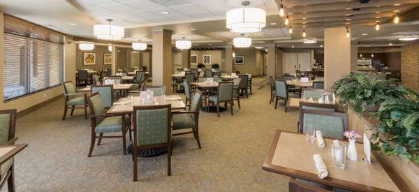 Merrill Gardens at Anthem community dining hall