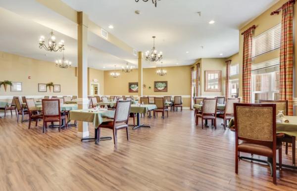 Keystone Place at Legacy Ridge community dining room in Keystone Place at Legacy Ridge