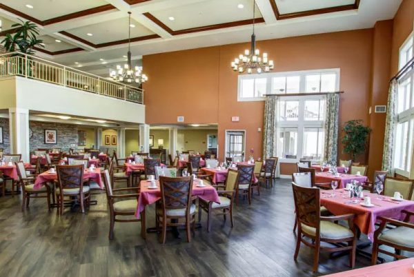 The Groves, A Merrill Gardens Community dining room