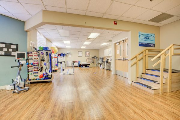 Fountain View Village physical therapy and exercise room