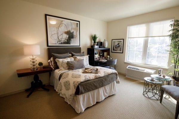 Aegis Living Issaquah model bedroom