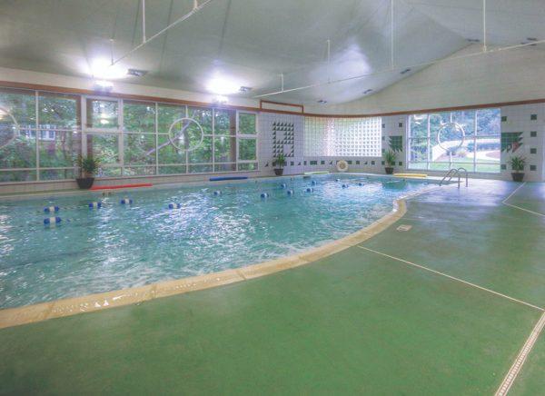 Indoor swimming pool at Brookridge Retirement Community