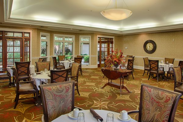 Community dining room in The Brennity at Fairhope
