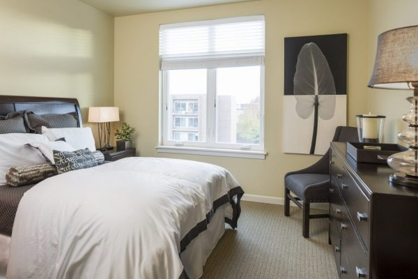 Aegis Living Bellevue model bedroom