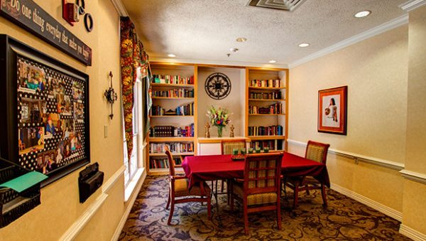 The Gardens of Sun City community dining area