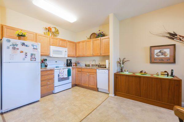 Mountain Park Senior Living model apartment kitchen