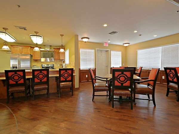Kitchen and dining area in Pacifica Senior Living Peoria