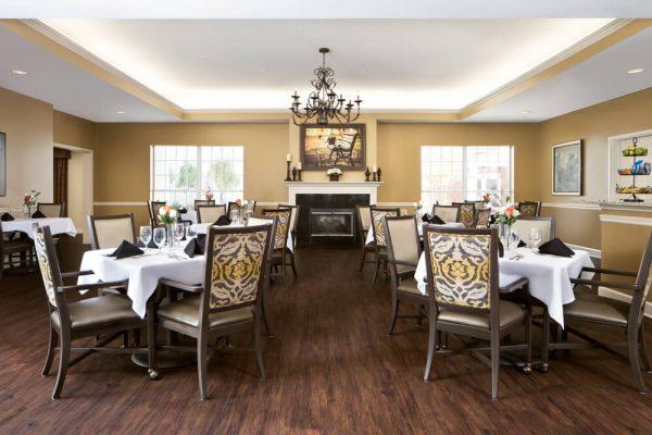 Formal dining room for residents of River Highlands