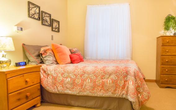 Model bedroom at Abilene Place