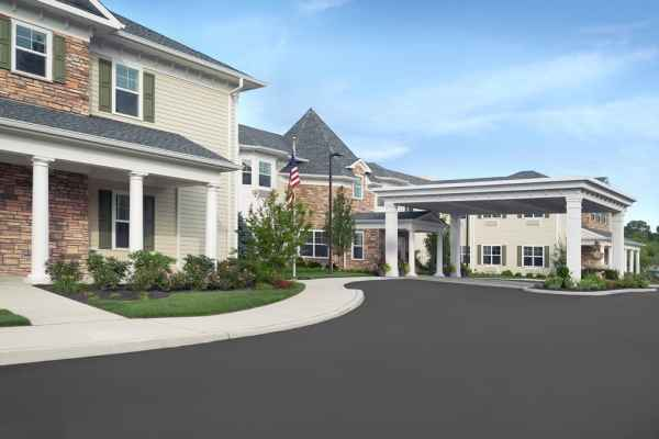 The Bristal Assisted Living at Sayville driveway and covered entrance