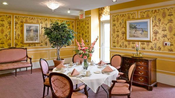Private dining room in Atria Hamilton Heights
