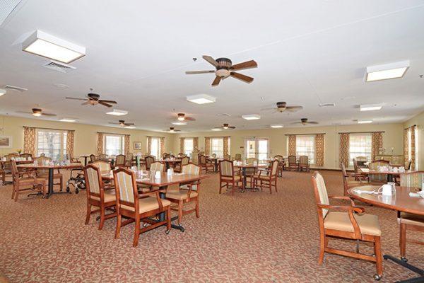 Community dining room in Brookdale Arrowhead Ranch