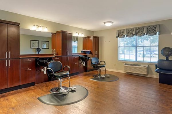 Brookdale Cedar Springs salon and barber shop