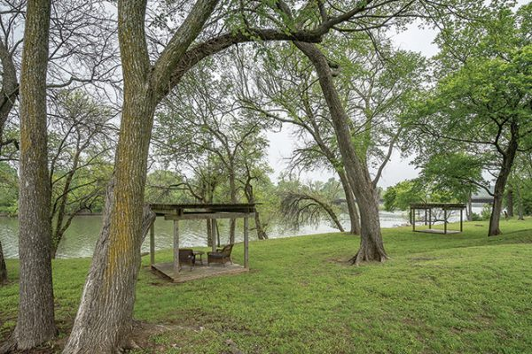 Brookdale Lake Brazos lake view and outdoor spaces