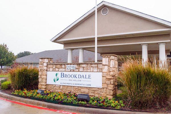 Welcome sign and entrance to Brookdale Oak Hollow