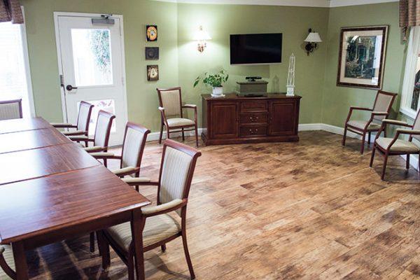 Brookdale Oak Hollow activity room