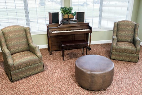 Brookdale Oak Hollow common area with upright piano