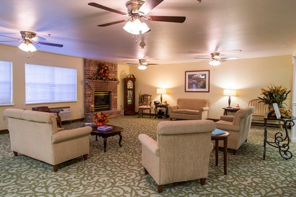 Resident living room in Brookdale Russellville