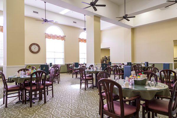 Brookdale Russellville community dining room