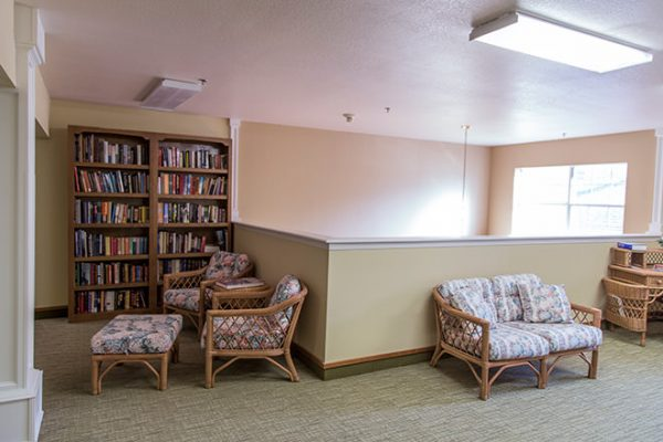 Resident library at Brookdale Russellville
