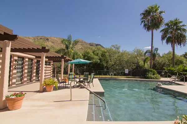 Swimming pool and lounging areas at Brookdale Santa Catalina
