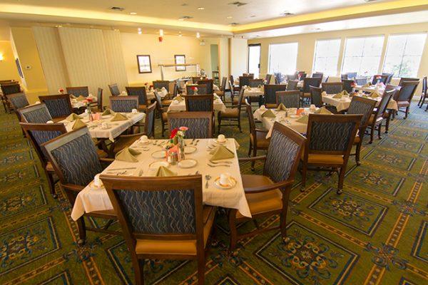 Brookdale Santa Catalina community dining room