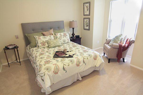Model bedroom in Brookdale Santa Catalina