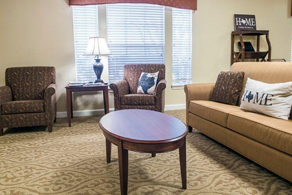 Brookdale Tanglewood Oaks community living room
