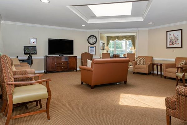Common area and tv room in Brookdale West Hartford