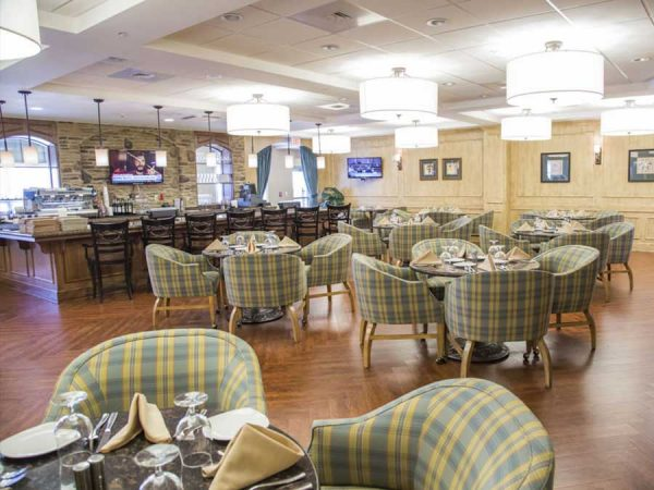 Residnt seating in the Brightmore of South Charlotte dining room