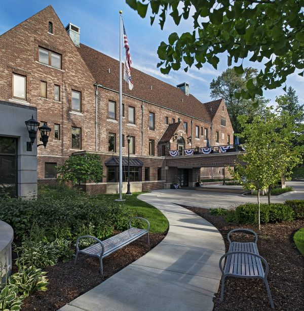 American Senior Grosse Pointe Exterior of Building