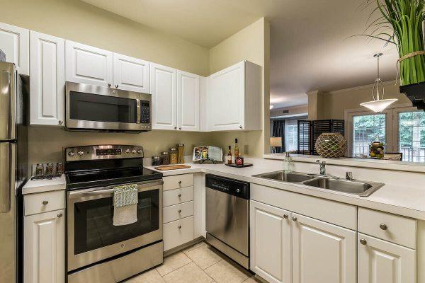 Regency Pointe Apartment Kitchen