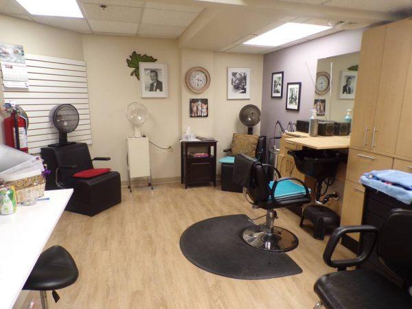River Oaks of Anoka beauty salon