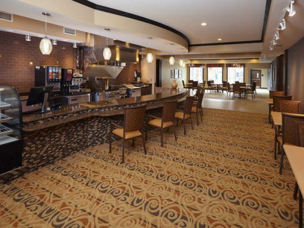 Breakfast bar and lounge in SilverCreek on Main