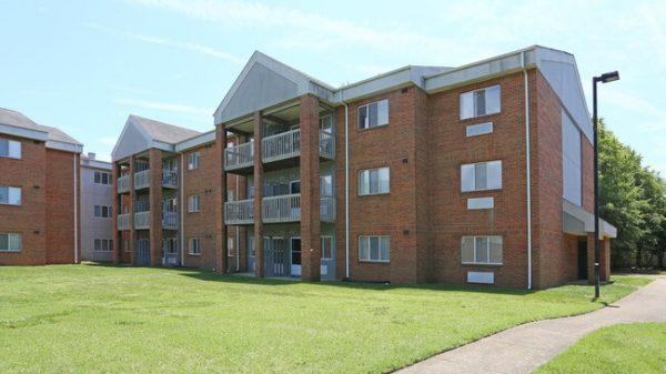 Stonebridge Manor Apartments Norfolk, VA building exterior