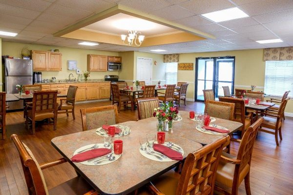 The Village at Kensington Place community dining room